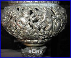 Antique Victorian Bradley Hubbard Cast Iron Oil Lamp Stand Flower Plant Holder
