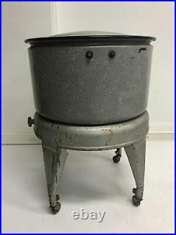 Vintage METAL WASH TUB w Stand round planter plant stand wringer washing machine